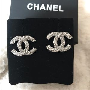 Chanel beautiful authentic cc earrings